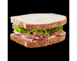 Мини-бутерброд с копченым мясом