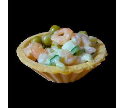 Мини-тарталетка с салатом из морепродуктов в ассортименте