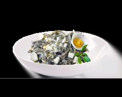 Морская капуста с яйцом, майонезом и луком зеленым