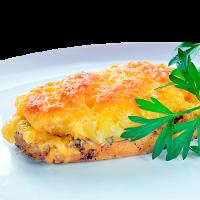 Филе куриной грудки запеченой с сыром, ананасами, майонезом