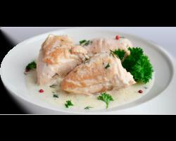 Куриная грудка в сырном соусе